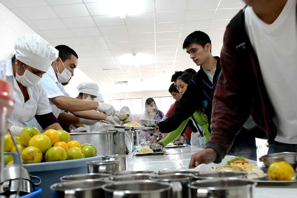 Asistencia social untrm for Comedor universitario
